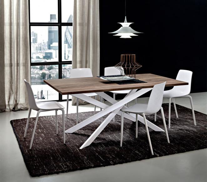 Tavolo con gambe incrociate Renzo La Primavera - MIT Design Store