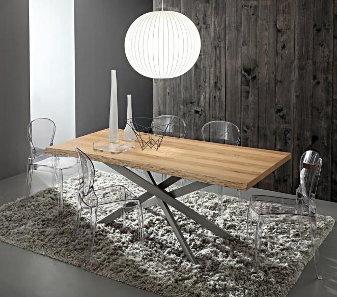 Tavolo con gambe incrociate Renzo Fisso