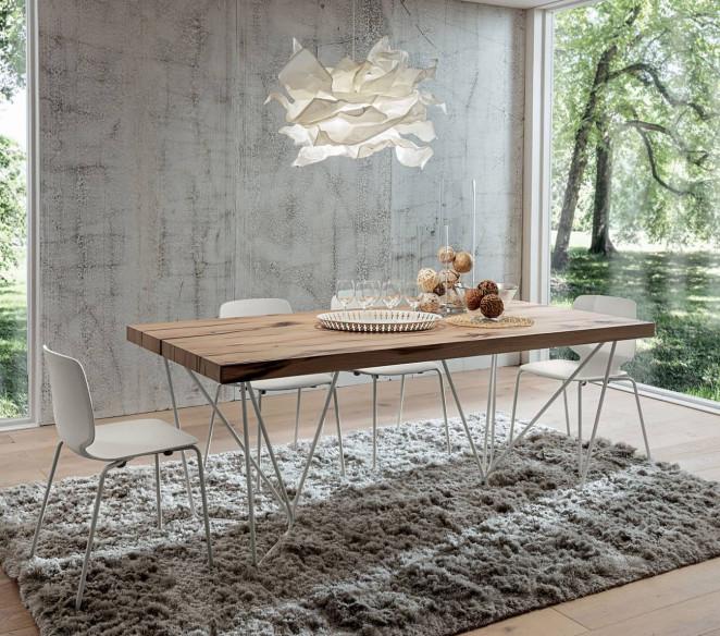 Tavolo moderno con gambe di design Denis