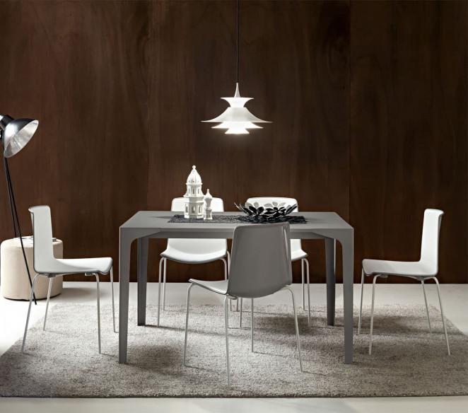 Tavolo dal design moderno Ettore
