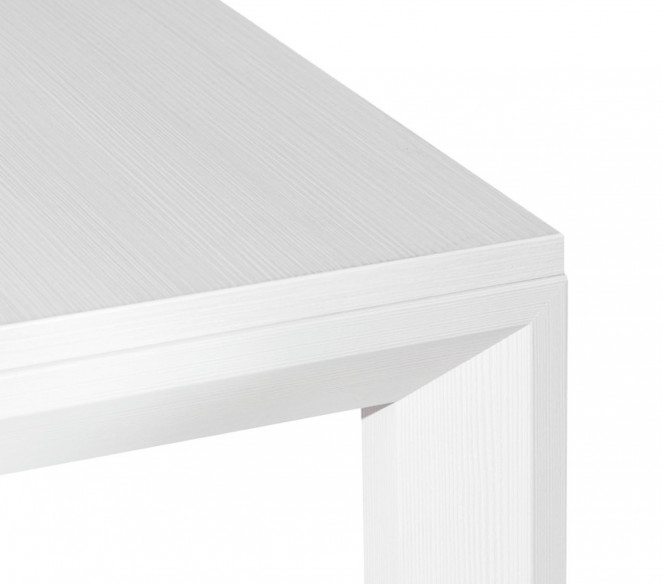 Particolare tavolo bianco Nicola