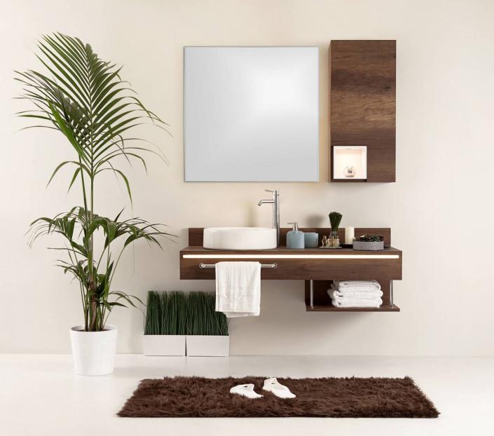 Specchio bagno su misura con profilo in pvc Nella MIT Design Store