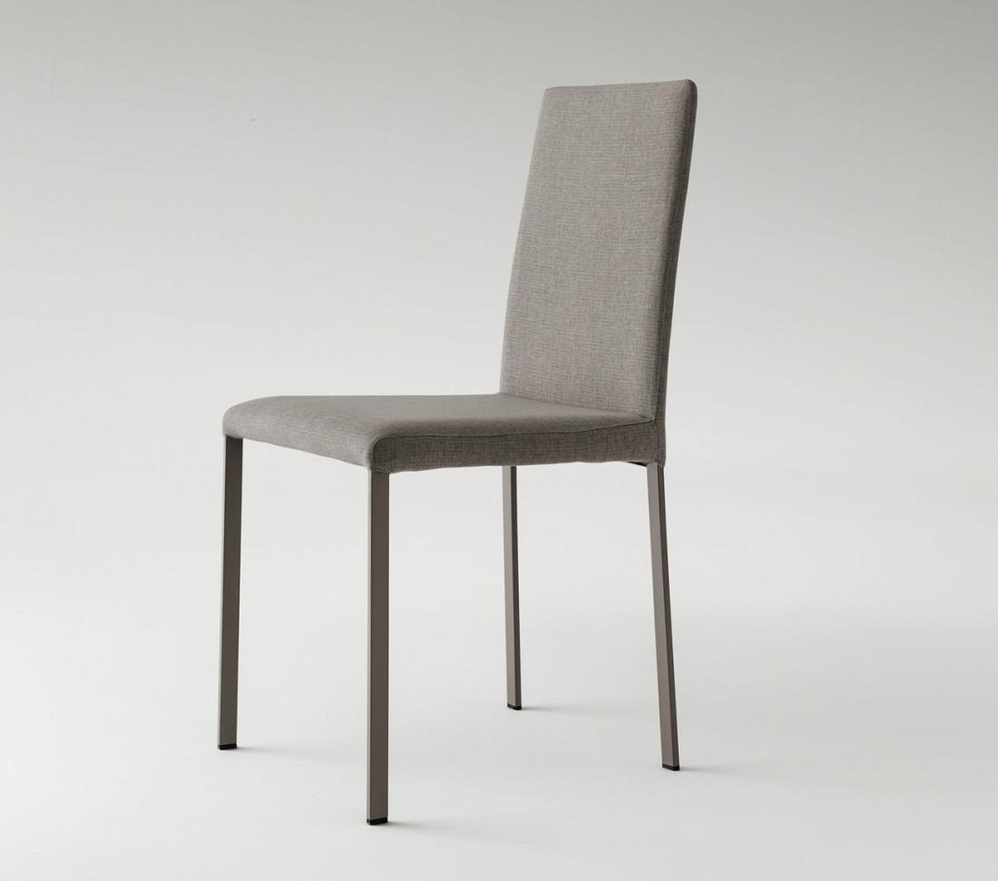 Sedie rivestite in tessuto roma in vendita online su mit for Sedie tessuto design
