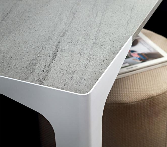 Particolare gamba consolle Fabio - MIT Design Store